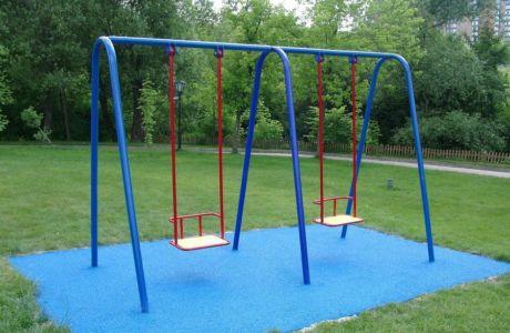 Виды детских качелей для игровой площадки