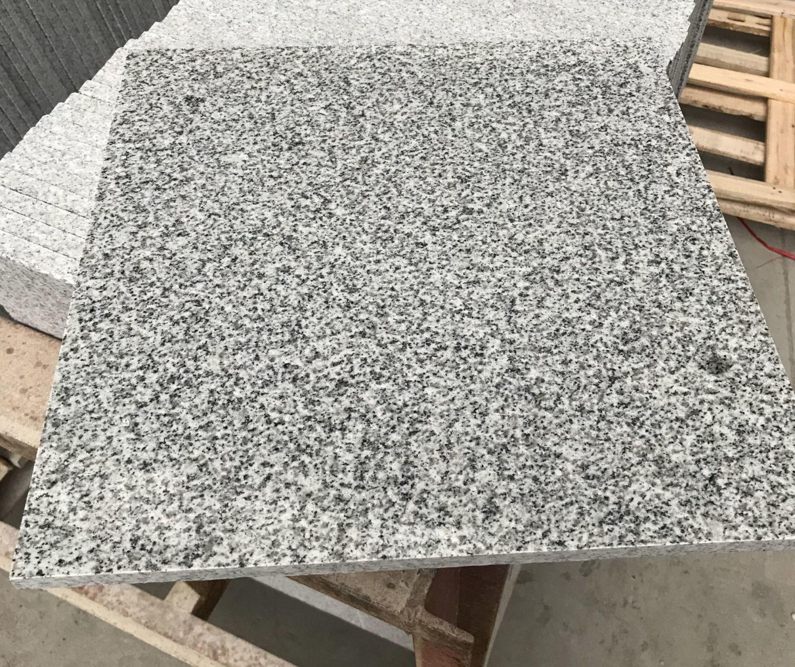 Особенности плитки из гранита