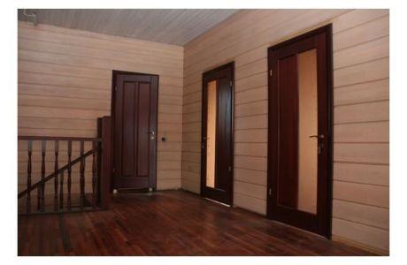 Какие межкомнатные двери выбрать для дачи