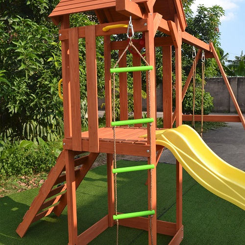 Игровые площадки для дачи из дерева
