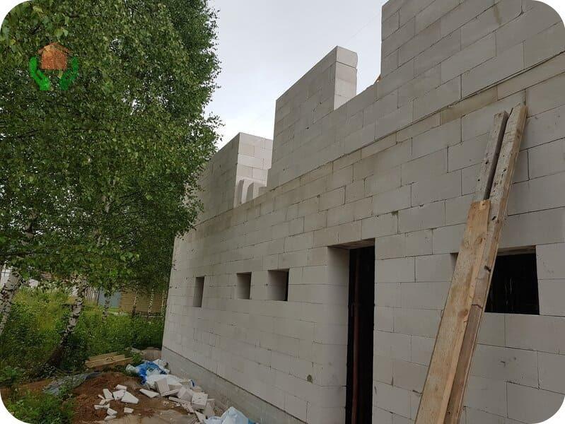 Стоит ли строить дом из газоблока?